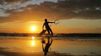 Waar kun je een huisje op het strand huren of overnachten op het strand?